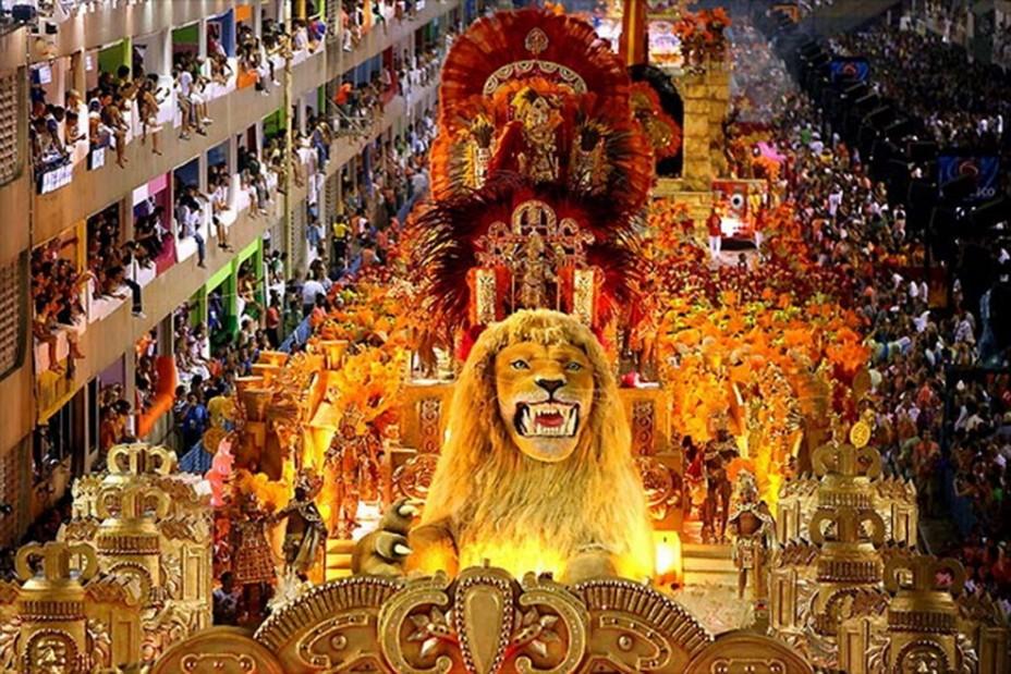 YouTube покажет online-трансляцию бразильского карнавала.